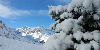Raport śniegowy: świeży śnieg na lodowcach, kolejne ośrodki otwierają sezon - ©OT de Tignes
