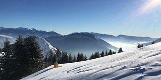#TRENTINOSKISUNRISE sul Monte Bondone: colazione e sciata all'alba - ©Monte Bondone FB