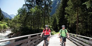 Längere Strecken auf dem E-Bike sind kein Problem. - ©Blickfang Photographie