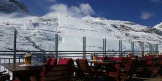 Na Hintertux sa už vracia zima, dnes napadlo ďalších 10 cm prašanu! - ©facebook Hintertuxer Gletscher