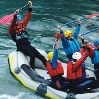 Auch Rafting ist in St. Anton am Arlberg möglich - ©TVB St. Anton am Arlberg
