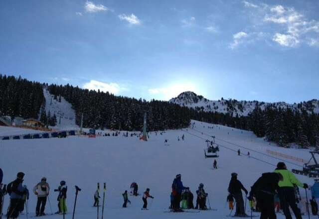 clear weather, slopes in good condition, could do with a fresh fall of snow