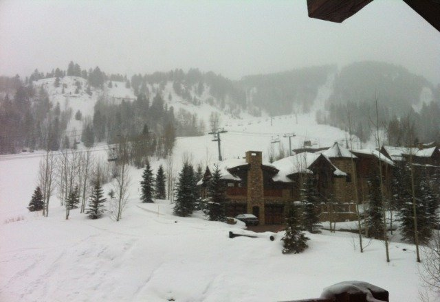 Great day. Powder stashes all over. Runs get flattened out but there's tons of powder in the trees. Aspen Highlands-