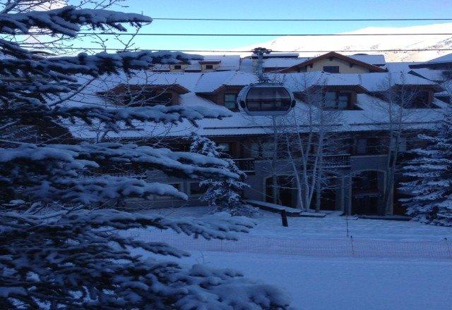 looks like good skiing today!