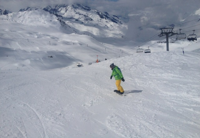 the best snow ive boarded in for 5 years and it was april 20th - 4ft of fresh snow then clear blue skys, thank you so much tignes it was great !!
