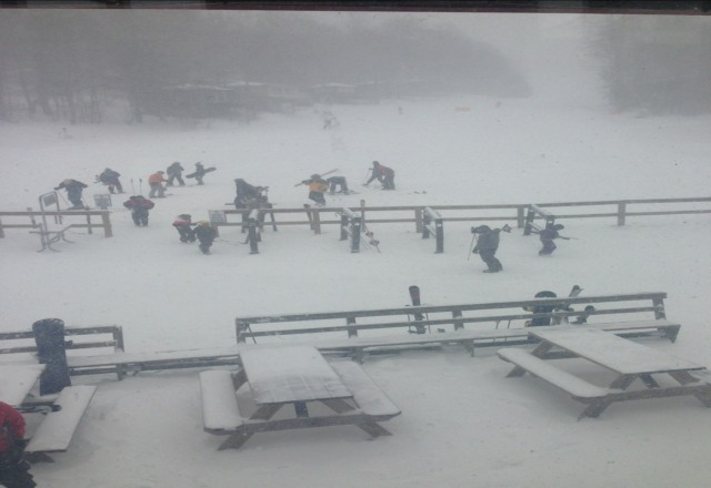 tons of powder and slooes are empty!!