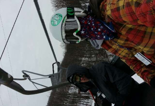 Went today from 9am-12   did about 20 runs. was awesome no lines what so ever.