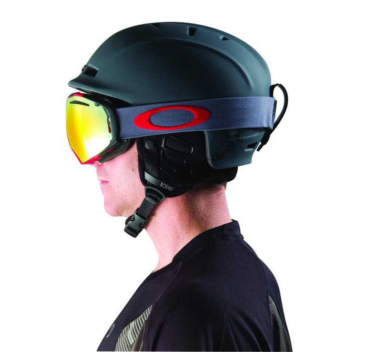 brille und helm sollten zusammen passen oakley skiinfo. Black Bedroom Furniture Sets. Home Design Ideas