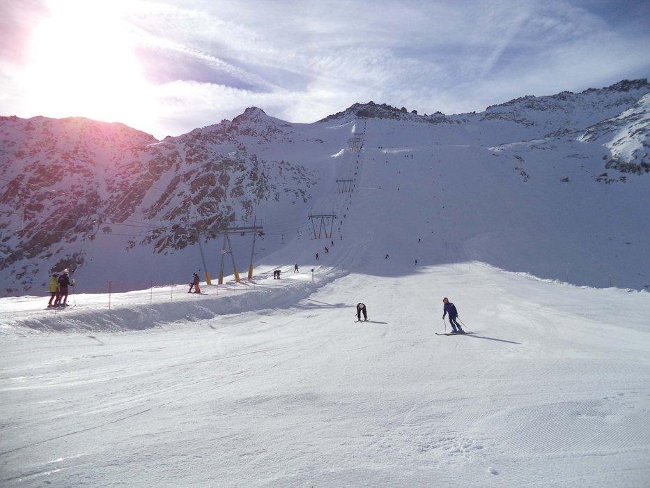 Presena glacier, Italy open! Oct. 19, 2013