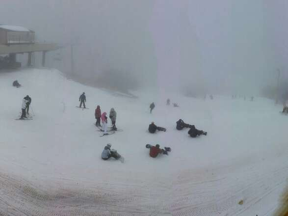 View from the top on 1/2. Drizzle all day, and not much visibility. Oz was open, crowds not bad.