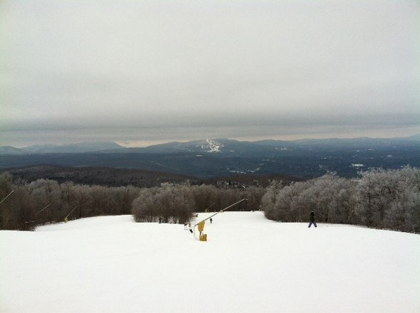 Solid day, No lines at all, everything is groomed, half pipe is open. Need more snow to fill up the woods