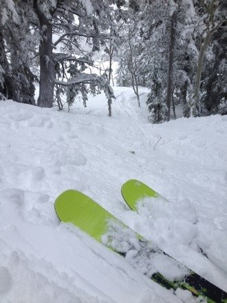 Took my nice skis up For the first time this year. Snow was beautiful, just a little heavy. Cannot complain that they have enough finally. Ridiculously fun, only a couple rocks