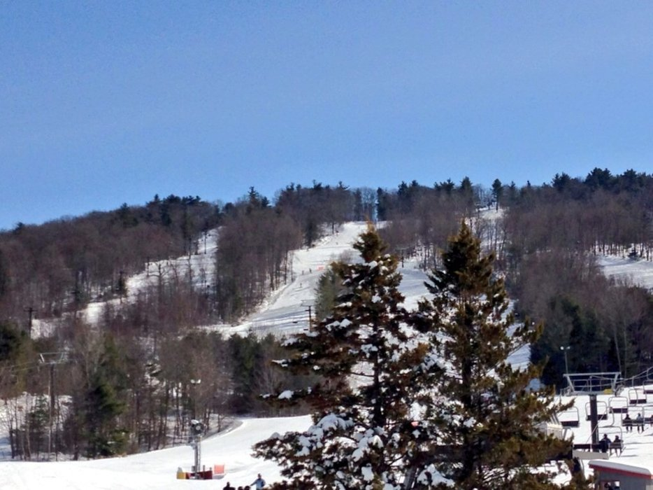 Bluebird Day! Mohawk groomers deserve The Gold Metal!