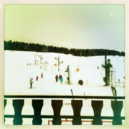 Un peu de neige fraîche mais ça glissait un peu quand même... Bonne station pour les débutants (et ski nordique).