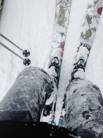Thigh deep powder