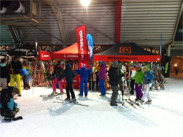 Gear testing event at Dutch indoor centre SnowWorld - ©SnowWorld