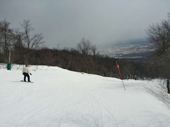K Lift, the secret lift on the back ftw.   Far side is groomed and i laid some serious skid marks!