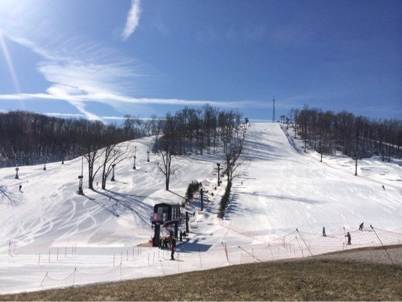 Perfect blue bird day, plenty of snow and sun. No lines!