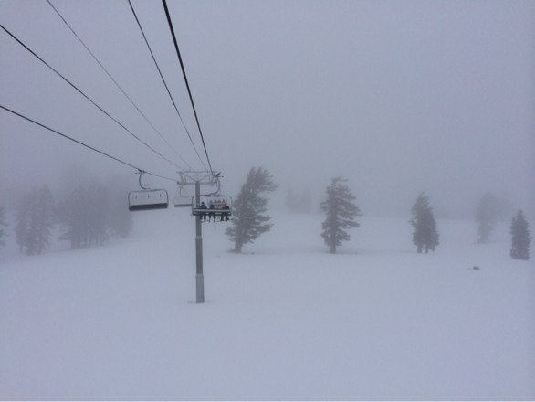 Big Blue at 10:30am, top has poor visibility, light wet snow coming down, not a lot of people