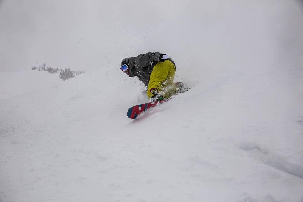 Big turns in big snow. - ©Mammoth Mountain