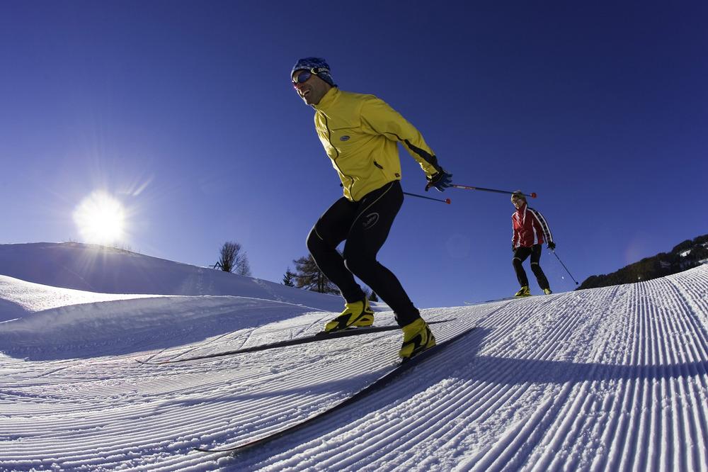 Skiers on groomers at Serfaus-Fiss-Ladis.