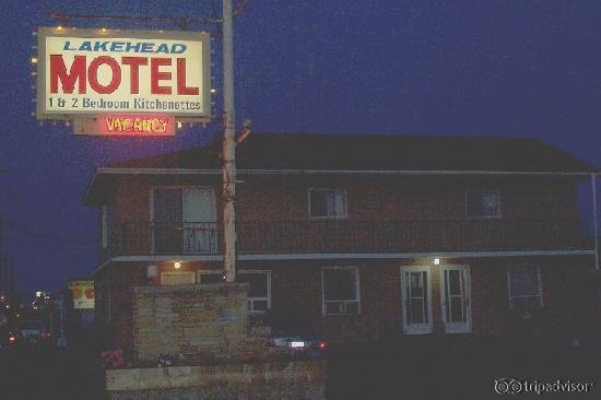 Lakehead Motel