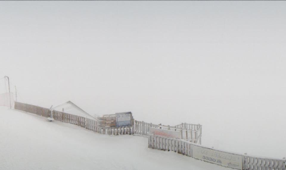 Snowstorm in Alpe d'Huez Nov.15, 2014