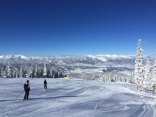 Great day on the mountain, not as crowded as yesterday, Keystone seems to be opening new slopes everyday.... Can't wait till the outback is open!!!
