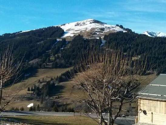 Very thin snow Chavannes, view of Mont Cherie shows snow line. wonderful paragliding and hiking. One crowded run open.