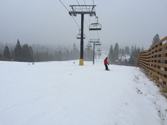 Starting snowing pellets end of day for nice soft turns. Great snow off of Facelift since it never softened up.