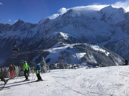 Les Houches is busy but lots of good snow. Ice in places. Great start to the season. Buy your pass before you get to the piste to save a long wait in the queue.