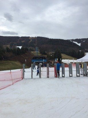 Sunday, December 28, 2014  Ski time: 10:30 to 4  No lines at the lifts, but only 10 or so trails plus a terrain park were open. All machine snow and a little ice (be careful on moguls). Less than 200 people were there
