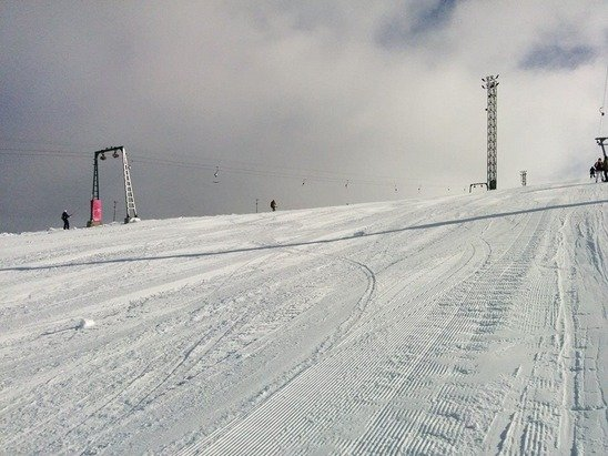 02/01/2015 Ski Season is open please update! In ski resorts information all ski lifts and slopes are fully functional there had fallen 60 or 70 cm snow!Thanks