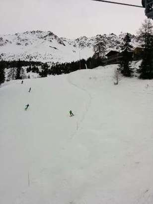 its snowing today, pistes are well maintained and easy to navigate . great place!