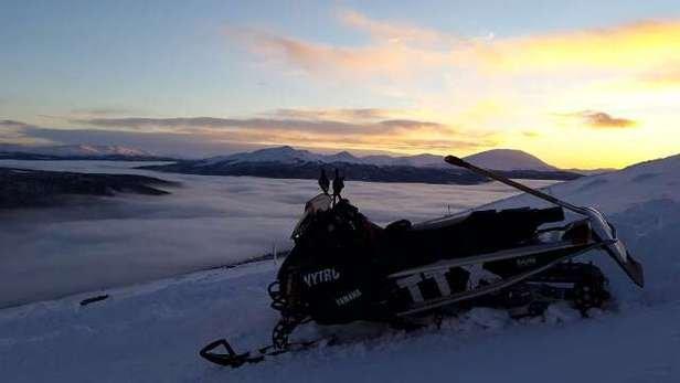 kjempefine forhold i og utenfor bakken, bare å få på seg skia og møte opp.