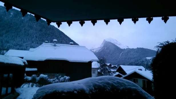 New snow all day yesterday and clear skies this morning. Should be a great day in Morzine!!