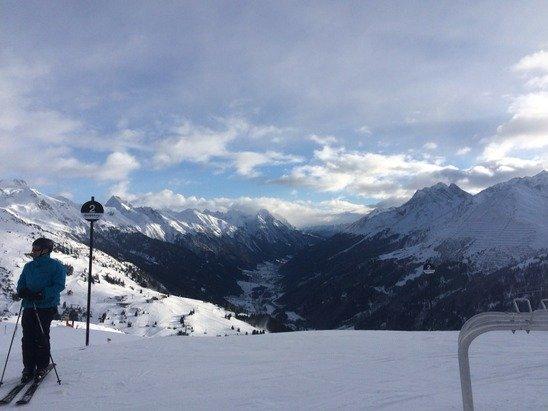 Beautiful today a bit of sun and bit cloudy.... Still powder snow!❄️❄️