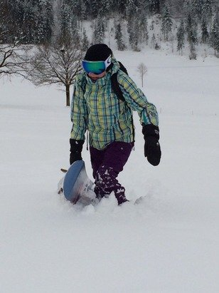 Awsome conditions, snowed most of the night and all morning, fresh snow everywhere