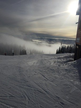 Well at least the fog disappeared today.  Groomed runs were nice, still a little choppy on the un groomed.  Still a good day.  Bad day on the mountain is still better than a good day at work.  Starting to snow and temperatures are starting to drop, so hopefully a great weekend.
