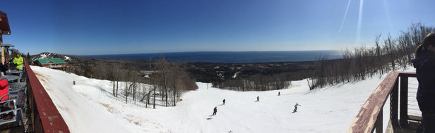 Lutsen Mountains - Saturday was a great day of spring skiing. The snow is s little hard but it is fun. - ©Dimitri's iPhone