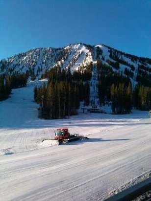 Mt. Rose - Ski Tahoe - 3/28/15 7:30am - ©sevenofnevada