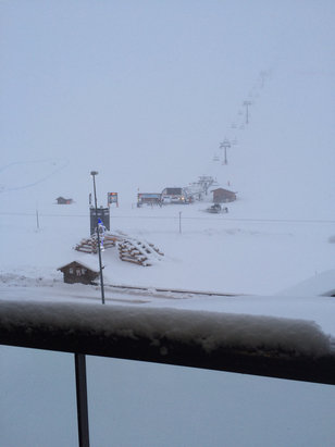 Tignes - Low visibility , high winds . Many lifts and slopes closed