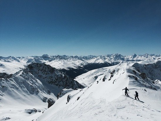 Davos Klosters - Firsthand Ski Report - ©Weissfluh Gipfel front s