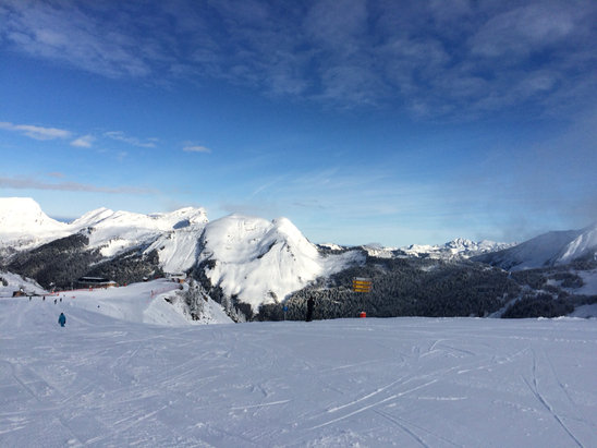 Avoriaz - Saturday afternoon!  - ©Helen Longton-Howorth's