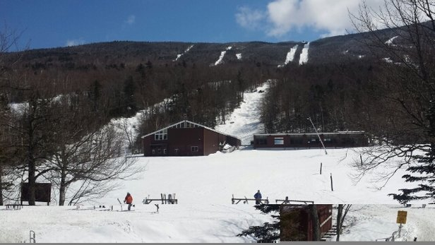 Wildcat Mountain - has been great yesterday and today. tonight into tmw they are calling for about 4-5 inches.  - ©jegery