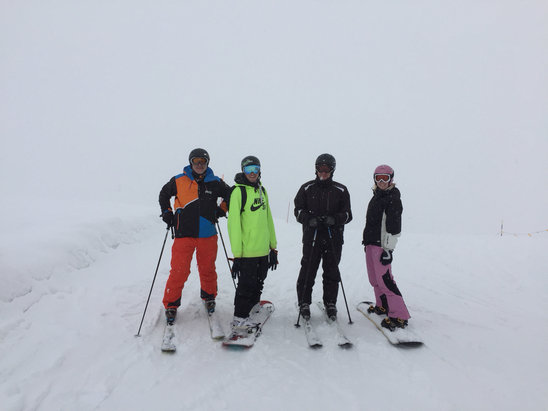 Cervinia - Breuil - Flat light but 6 inches of fresh at the top!