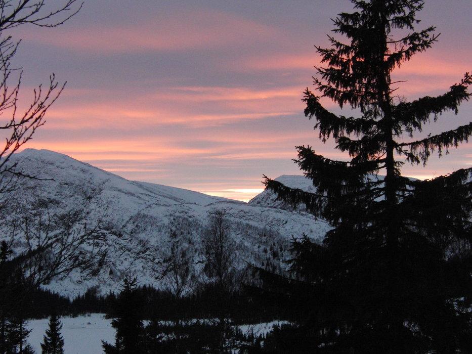 view to the hills | no - ©Thomas Michael | tomqui @ Skiinfo Lounge