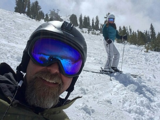Mammoth Mountain Ski Area - Last ski day of our season...way to go out with a BANG! 5-inches at base over night. #findingpowpow