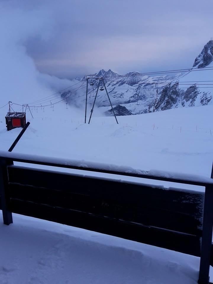Cervinia, neve fresca 28.10.15 - ©Rifugio Guide del Cervino - Facebook