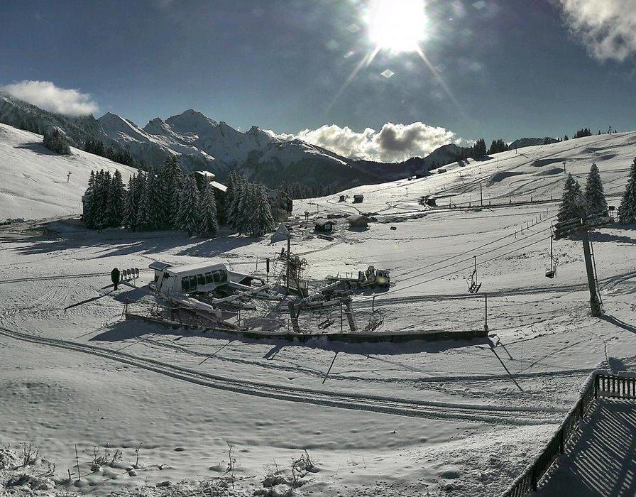 Manigod ce midi entre neige et soleil